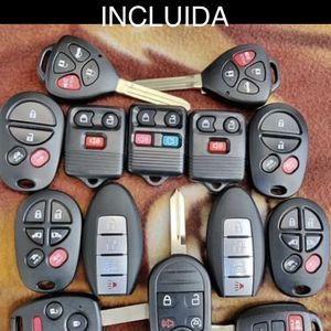 Ford Lincoln Chevy GMC Cadillac Toyota Honda dodge jeep Chrysler Nissan Infiniti key fob remote control alarm Oem con programación for Sale in Los Angeles, CA
