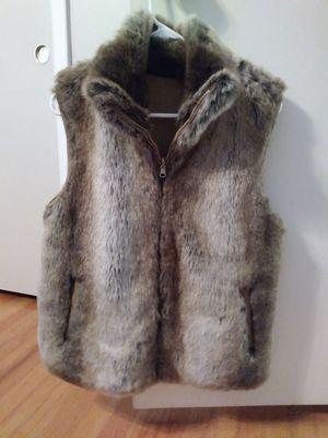 Faux fur vest. for Sale in Garden City, MI