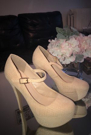 Baby pink heels / Size 7 for Sale in Bronx, NY