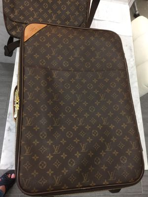 Louis Vuitton Pegase authentic rolling suitcase for Sale in Carlsbad, CA