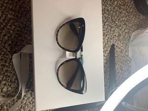 Kate spade sunglasses for Sale in Las Vegas, NV