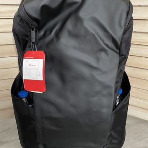 North Face Daypack Laptop Backpack 50%off for Sale in Charleston, SC