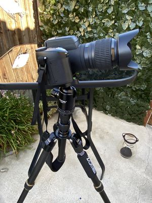 Zomei Z669C Carbon Fiber Tripod 60 inches/ 151 Centimeter Lightweight Stable Travel Monopod Tripod with 360-degree Ball Head and Five Section Leg Tub for Sale in Bakersfield, CA