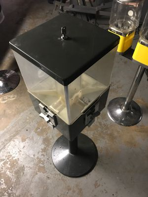 Candy machine for Sale in East Hartford, CT
