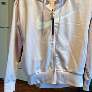 Woman's Small Nike Jacket NWT for Sale in Philadelphia, PA