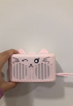 Pink cat Bluetooth speaker for Sale in Manawa, WI