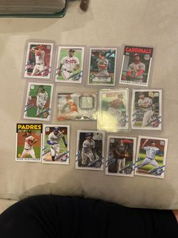 Baseball Cards Matt Chapman , Rookies, Nolan Ryan , Mike Trout for Sale in Oregon City,  OR