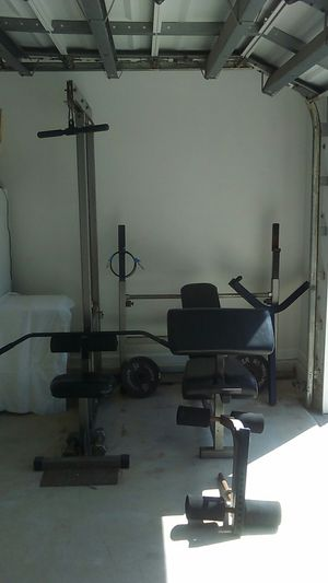 Continental bench,lat,dip bar curl pad, leg lift for Sale in West Palm Beach, FL
