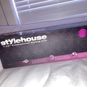 Style House Straightener for Sale in Laredo, TX