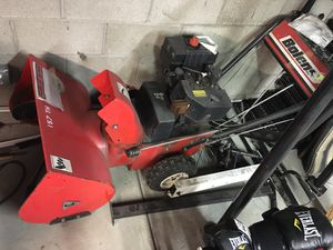 Bolens 6 HP 24 in snow blower for Sale in Gibsonia, PA