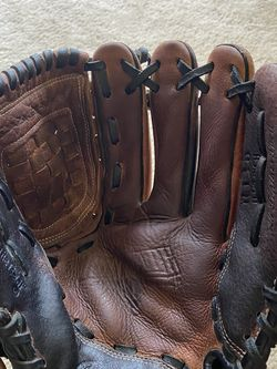 Rawlings R115 Glove Reconditioned for Sale in Matthews,  NC