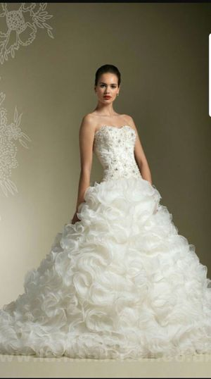 Beautiful Justin Alexander wedding dress $400 OBO for Sale in East Brunswick, NJ