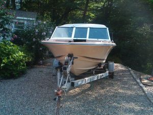 17 feet boat with trailer for Sale in East Freetown, MA