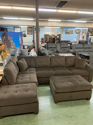🚚Short Sale🚚 Brand New 2pc Reversible Sectional with Ottoman $799, two color available for Sale in Sacramento, CA