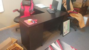 L-shaped office desk 6 ft x 5 ft for Sale in Oak Forest, IL