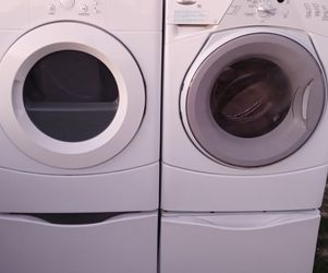 Whirlpool Washer And Electric Dryer for Sale in Laveen Village,  AZ