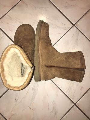 Authentic Ugg Australia boots women's size 11 for Sale in Peabody, MA