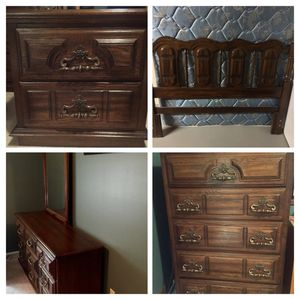 Queen hardwood matching bedroom set. Box springs and mattress included. Very good condition. for Sale in Warren, OH