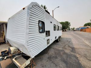 89 toy hauler 26 ft ready to go for Sale in Hesperia, CA