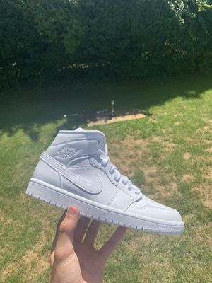 Nike Jordan 1 Retro Mid Triple White Patent Leather Size 8.5W for Sale in CT, US