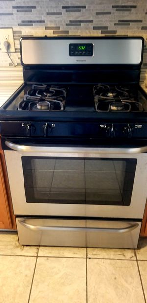 GAS STOVE, MICROWAVE AND DISHWASHER for Sale in San Antonio, TX