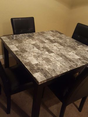 5 piece dining set for Sale in Altamonte Springs, FL