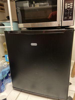 Mini Refrigerator for Sale in Mount Rainier, MD