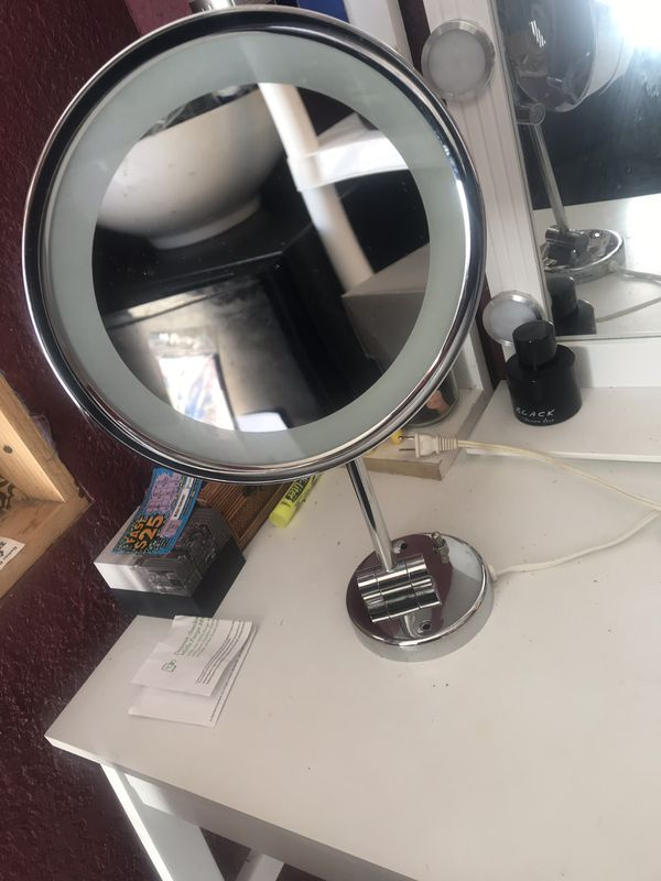 Makeup mirror vanity