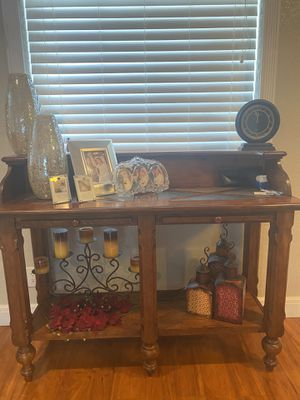 Beautiful Console table for Sale in Tampa, FL