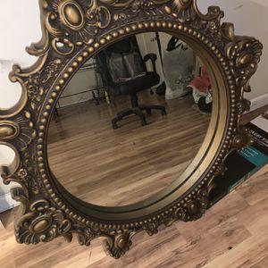 Mirror In Good Condition for Sale in Santa Monica, CA