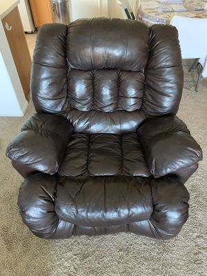 Brown Leather Recliner 1.5 Year Old for Sale in San Diego, CA