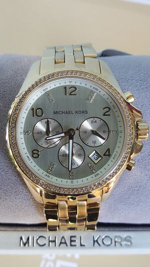 New Authentic Michael Kors Women's Goldtone Watch 💖💖💖💖 for Sale in Montebello, CA