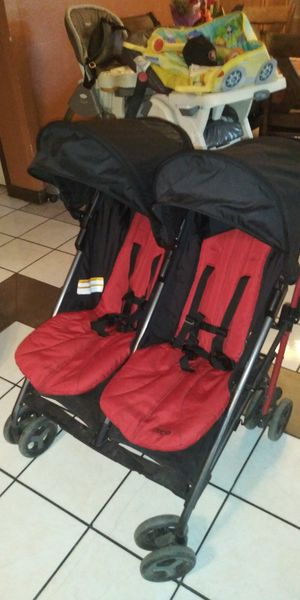 Zobo double stroller for Sale in Shafter, CA