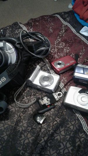 Multiple digital cameras and misc. Items for Sale in Pevely, MO