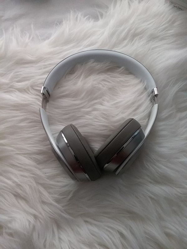 Beats by Dr. Dre Solo 2 Wired On Ear Headphones - Silver (MLA42AM/A)