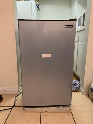 magic chef compact refrigerator for Sale in Houston, TX