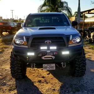 2007 toyota Tacoma 4 door 4x4 for Sale in Alamo, TX