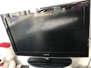 Tv 32 inch for Sale in Baltimore, MD
