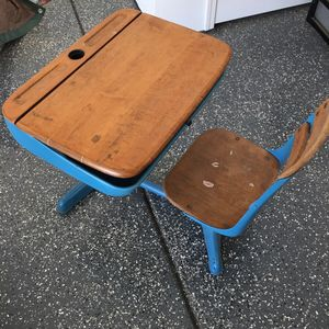American Seating Company Antique Desk for Sale in Kingsburg, CA