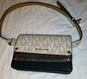 MICHAEL KORS MK BELT PURSE for Sale in Phoenix, AZ