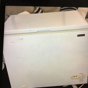 Deep freezer for Sale in Clovis, CA