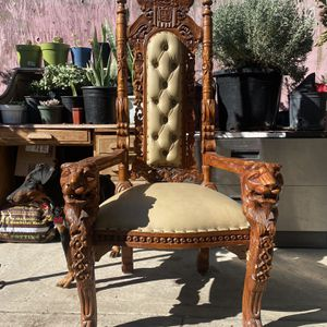 Throne chair King / Queen for Sale in South Gate, CA