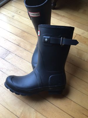 Hunter rain boots. Ladies size 7 for Sale in Chicago, IL