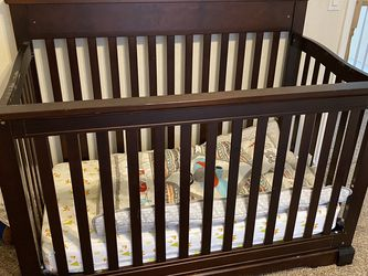 Crib for Sale in Peyton,  CO