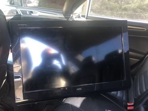 """32"""" TV with Mount for Sale in Cleveland, OH"""