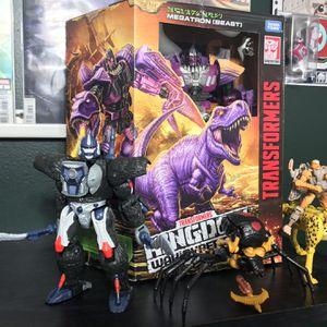 Transformers Kingdom Beast Wars Figure Lot for Sale in Hialeah, FL