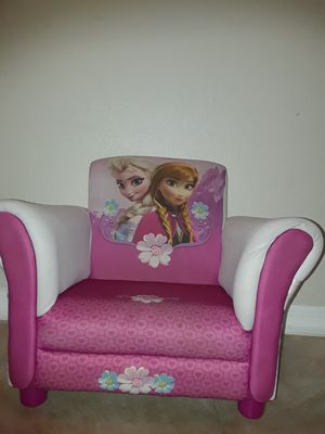 Disney frozen toddler Sofa chair! for Sale in Alafaya, FL
