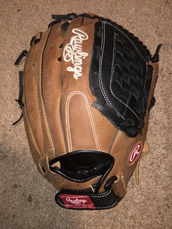 Softball Glove for Sale in Los Alamitos,  CA