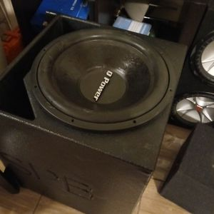 15 Sub In Pro Box for Sale in Humble, TX
