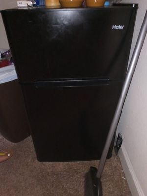 3ft X 2ft mini refrigerator for Sale in St. Petersburg, FL